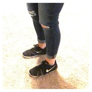 Black Nike Free TR6